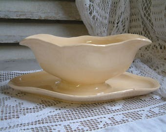 Antique french pale yellow creamware sauce boat. Light yellow ironstone gravy boat. French creamware. Nordic living. Gustavian style decor