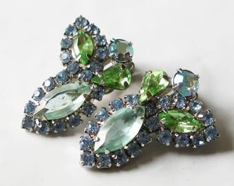 1950's Vintage WEISS Blue Green Rhinestone Cluster Clip On Earrings Signed