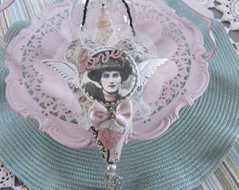 Valentine Heart - Fabric Heart Ornament - Valentine's Day Heart - Victorian Heart - Heart-shaped Love Ornament