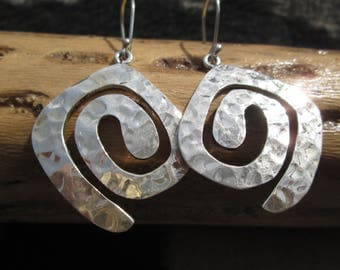 ATI Sterling Silver Art Deco Hammered Dangle Earrings
