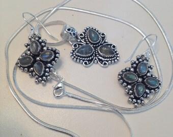 VINTAGE-Blue Labradorite Pendant Necklace + Dangle Earrings - Natural Labradorite Dangle Earrings - Natural Labradorite Pendant Necklace