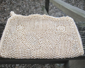 Ivory Beaded Purse, Clutch Bag, Zippered Closure, Floral Beaded Design, Round And Seed Beads, Satin Lining, 7 By 4 Inches, Vintage