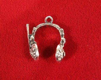 "5pc ""headphone"" charms in antique silver style (BC538)"