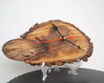 Quartz clock precision, on slice of natural oak, protected only with wood oil dried two years