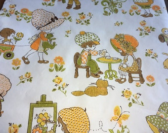 Vintage 1960's Wallpaper- Little Girls in Bonnets Wallpaper.Holly Hobbie-Strawberry Shortcake-