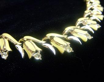 CORO ENAMEL NECKLACE Yellow with Rhinestones