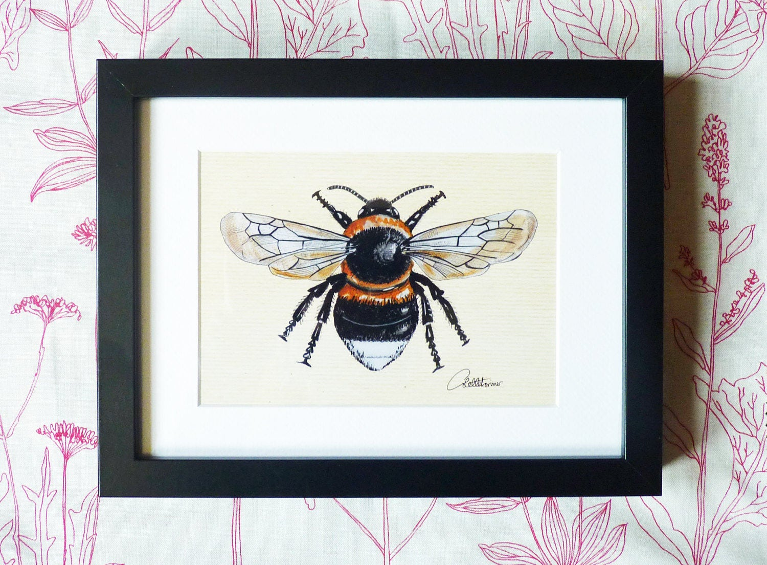 Bumblebee picture bumblebee wall art bumblebee decor bumblebee for Bumble bee mural