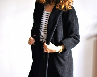 Vintage black coat, Straight cut , long coat, Size : S/ M