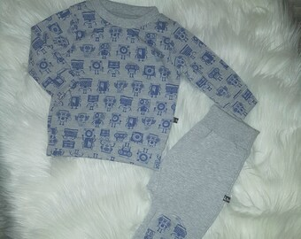 Sweater and pants set 74/80