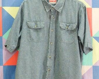 Wrangler Dark Wash Denim Button Up Short Sleeve Shirt // Soft Cotton Western