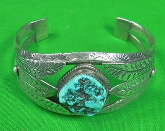 Native American Indian Navajo H. JONES Sterling Silver Stone Bracelet Cuff