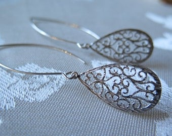 filigree earrings, heart earrings, filigree heart earrings, rhodium earrings, delicate earrings, lightweight earrings, Valentine Day gift