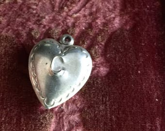 Sale-Puffy Heart-Embossed C