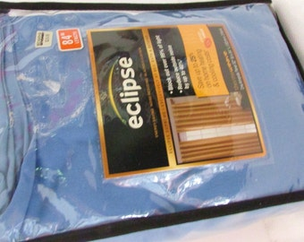 HALF PRICE  Eclipse Energy Saving Blackout Curtain Thermaweave 52x84 Blocks out Over 99% Light and 40 Percent Noise Rtl 30.00 Lower Bills