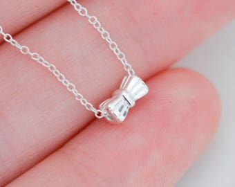 Dainty silver necklace, bow necklace, silver pendant necklace, necklace with bow