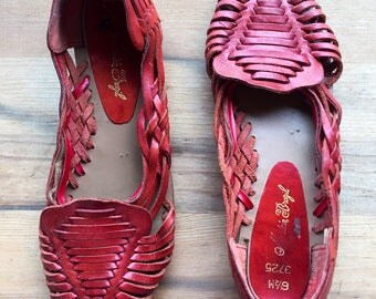 Vintage 70's Red Leather Huarache Slip on Sandals size Womens US 6.5