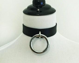 The MINIMALISTE Collar: Black Leather O Ring Choker  - BDSM, Nugoth, Minimalist, Fetish