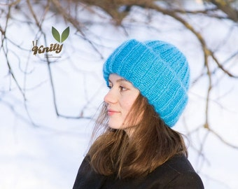 Bright turquoise women's mohair fluffy hat
