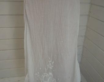 "Waist:  30"" ** Victorian White Cotton Petticoat (Skirt)"