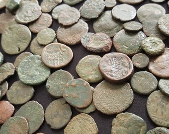 Lot of 10 Low Grade Ancient Roman Coins / 330 A.D. / Constantine the Great Era / A Part of History!