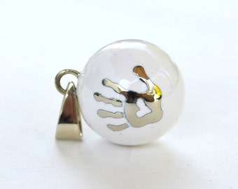 Pregnancy necklace OLFÉE - White baby hand - Musical ball - Harmony Ball - Angel Caller - White