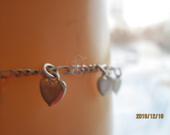 Handcrafted 925 Sterling Silver Pretty Charm Heart 7 Inch Bracelet, Weight 6.3 Grams