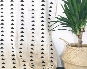Mudcloth Throw | Natural Triangles