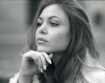 Giulia-60 x 40 cm portrait-portrait-black and white-film photography-blackandwhite-analogical photography