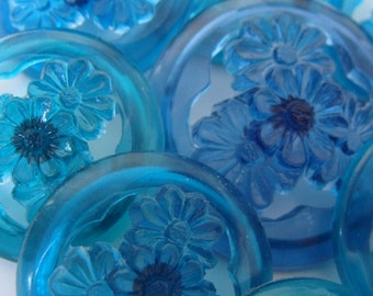Set of 10 vintage Openwork flower buttons - clear colored blue -