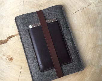 Cover for iPad from wool felt & leather, Brown