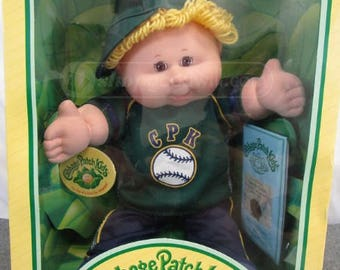 2004 Rare Cabbage Patch Doll With Gaudy Gold Hair!