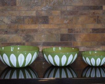 Norwegian Norway Green Lotus Cathrineholm Enamel Bowls, Designed by GRETE PRYTZ KITTELSEN, Set of 3, Vintage Kitchen Decor, Green Lotus