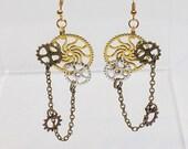 Steampunk Earrings, Metal Gear Earrings, Steampunk Jewelry, Steampunk Wedding, Dangle Earrings, Bridesmaid gift, Hand Made jewelry, Gears