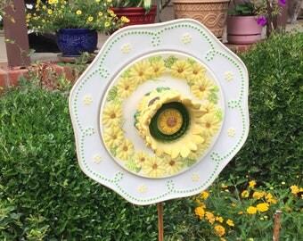 Yellow and White Plate Flower - Glass Garden Flower - Garden Art - Glass Flowers - Dish Flowers - Outdoor Decor - Garden Decor - Home Decor