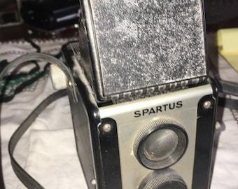 Vintage SPARTUS Full Vue Camera Chicago, Ill.