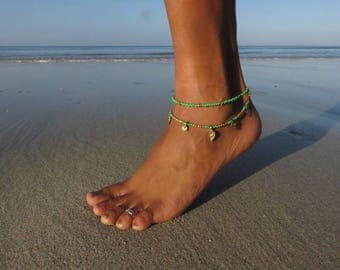 Double-rowed ankle bracelet with pearls and brass spirals