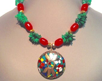 Red/green Mandala necklace