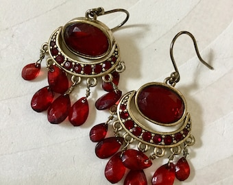 Vintage RED CRYSTAL DANGLE EARRINGs Stunning deep red Glass Garnet stone Tassel fringe dangle pierced earrings Gorgeous and finely crafted