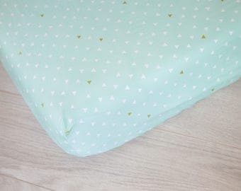Fitted Crib Sheet | Mint and White Triangles