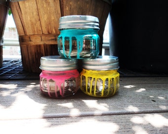 mini jars with lids etsy. Black Bedroom Furniture Sets. Home Design Ideas