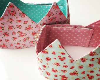 Fabric crown, to dress up as a princess or prince or for a birthday boy or girl. (Different colours available!)