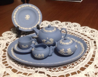 Vintage Wedgwood Miniature Dish Set, Wedgwood Miniature Dishes, Wedgwood Toy Dishes, Wedgwood Miniatures