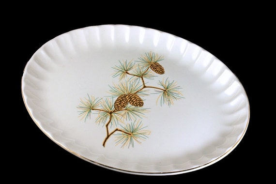 Oval Platter, W S George, Pine Cone Pattern, Bolero Shape, Green Needles, Brown Pine Cones, Serving Platter, Gold Trimmed