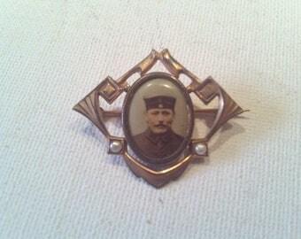 "Brooch with photo, ""Art Nouveau""."