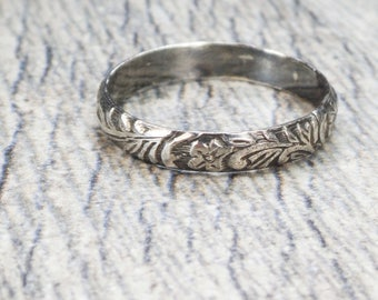 Vintage Sterling Silver Wedding Band Etched Ring Sterling Ring Silver Ring Floral Stackable Thumb Ring Vintage Wedding Band Engraved Large