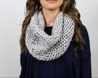 Super Chunky reversible knit Infinity cowl Scarf // gray marble