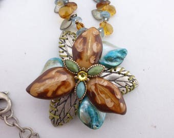 Chicos flower leaves hand wired pendant necklace AA877