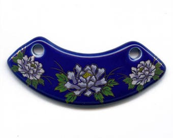 Vintage painted ceramic pendant. Floral pattern on blue. 80x25mm.  b2-478(e)