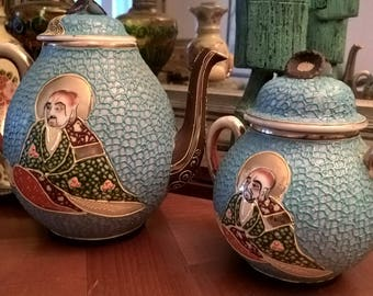 Two Japanese porcelain pots