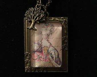 Victorian Glass Pendant Necklace
